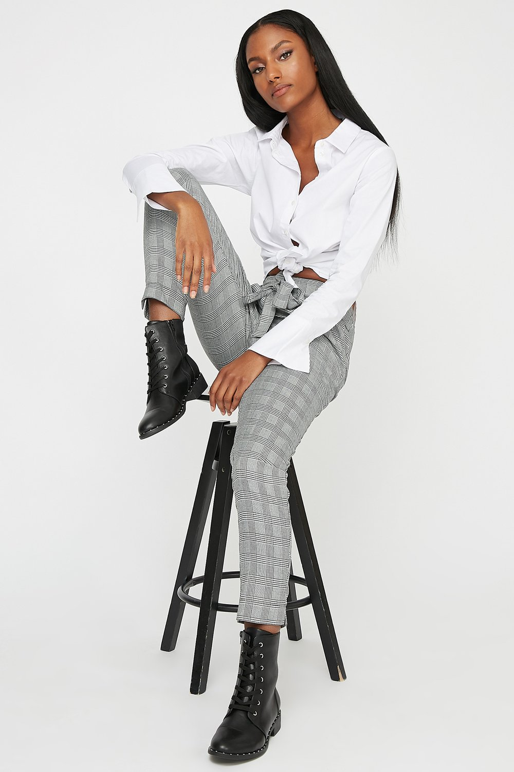 women high-rise plaid roll up pant