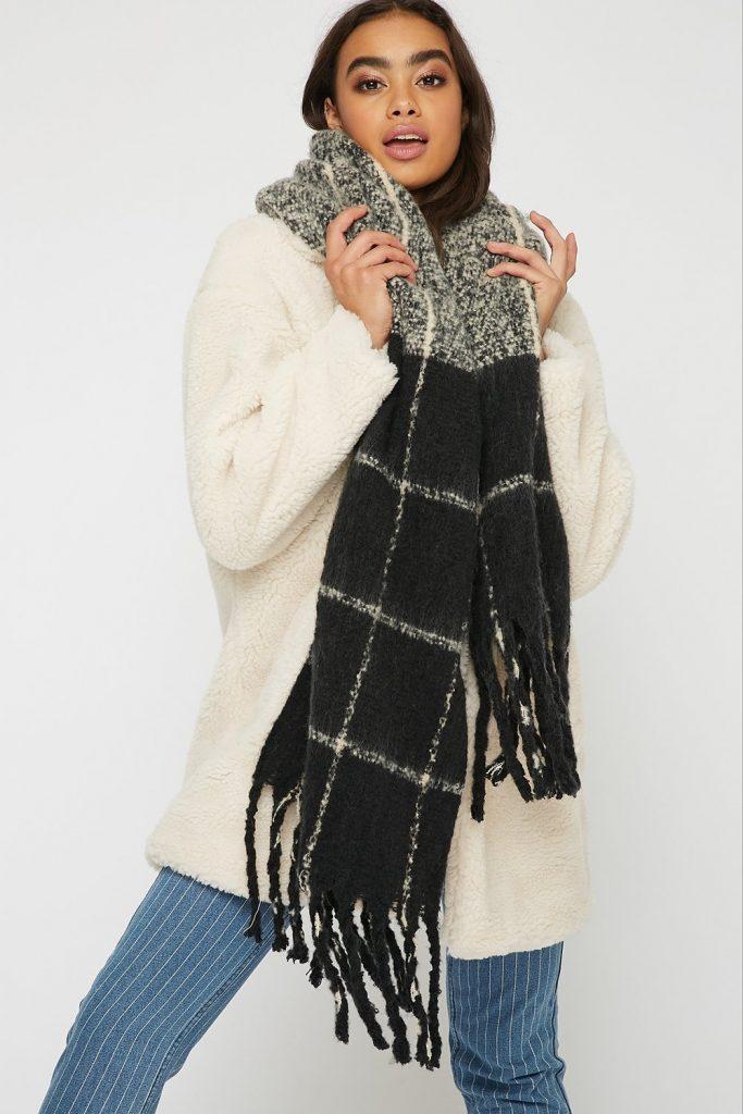 brushed knit tassel scarf