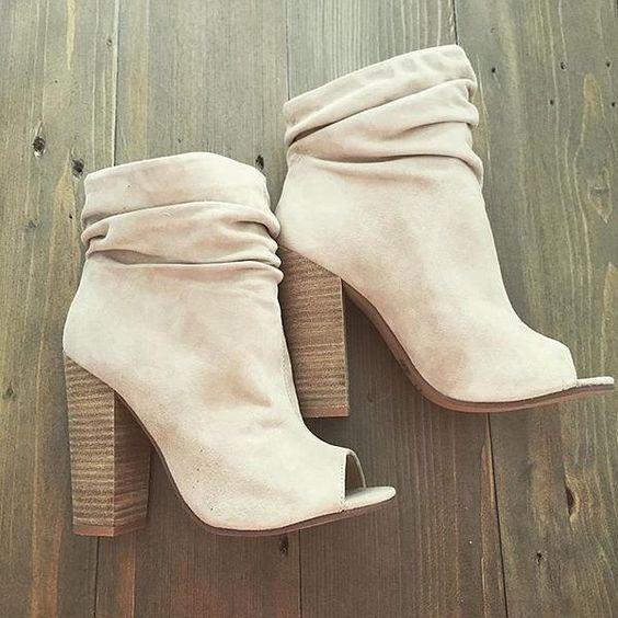 peep booties