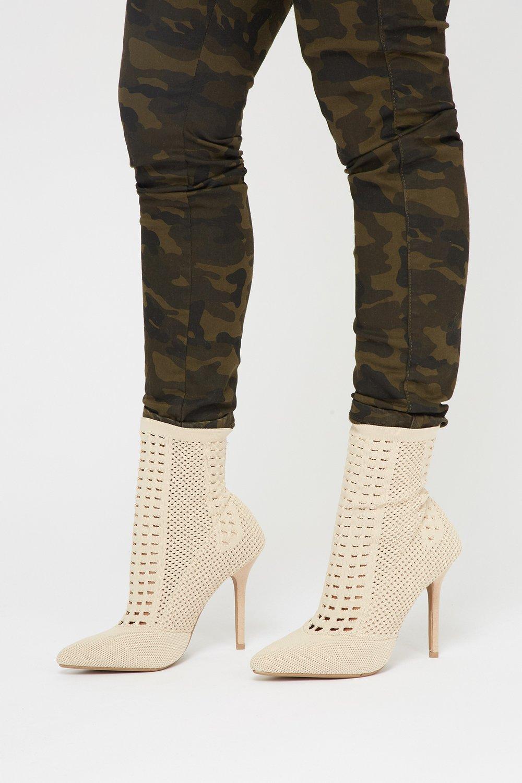 heel booties