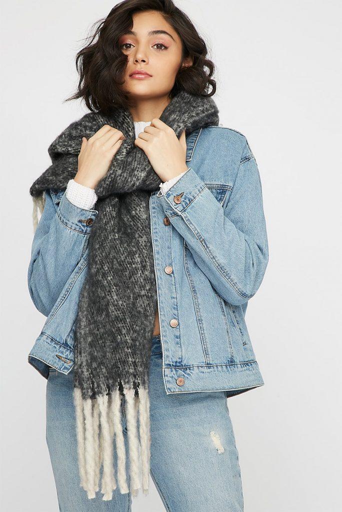 knit tassel scarf