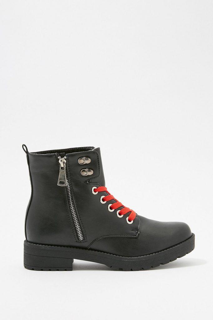 lace combat boot