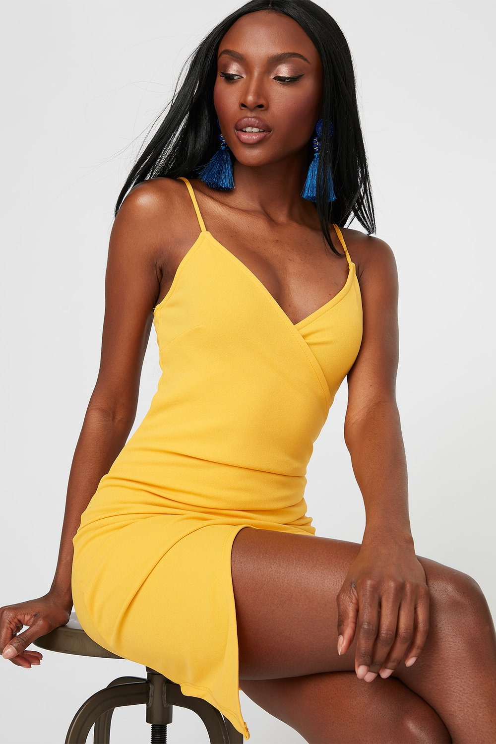 yellow dress