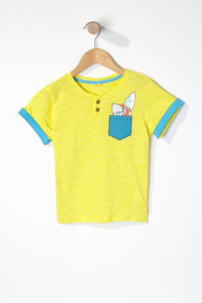 graphic pocket t-shirt